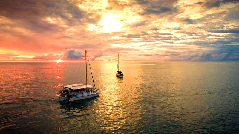 afternoon sunset catamaran tour Manuel Antonio